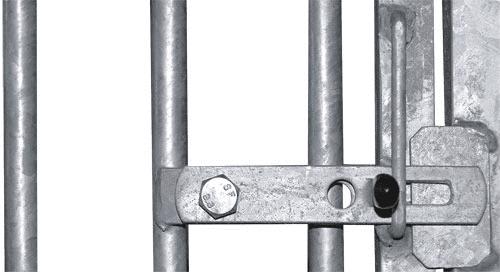 Türschloß mit Sicherheitsriegel und Vorrichtung für Vorhangschloß