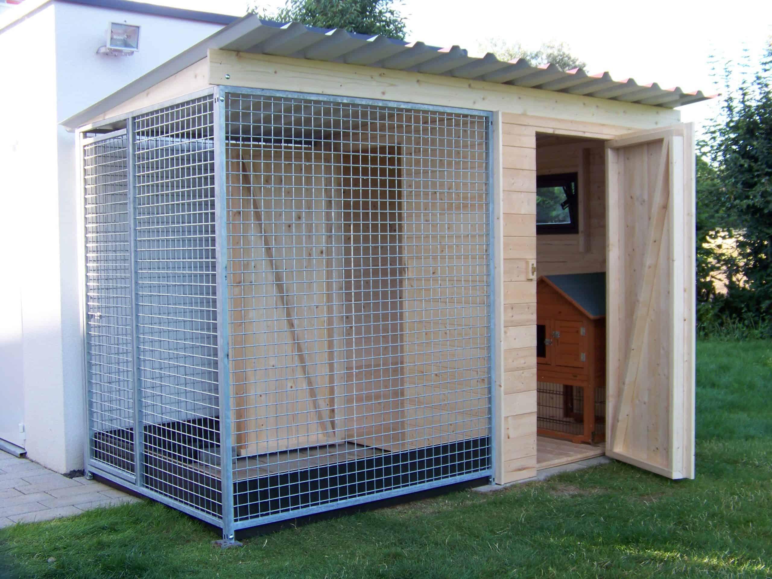 Kaninchenstall mit Auslauf und Anbauraum